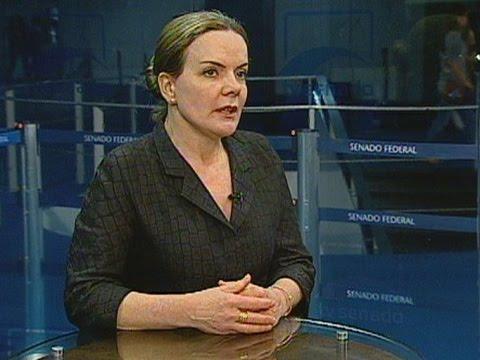 Gleisi Hoffmann questiona a forma usada para a prisão preventiva de Paulo Bernardo
