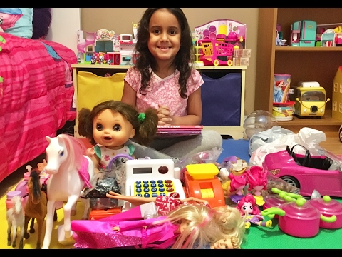 Separando Brinquedos para doar / Toys to donate