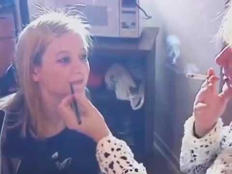 How This Mom Looks More Like Her Daughter's SisterKaynak: YouTube · Süre: 1 dakika14 saniye