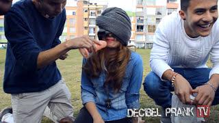 Broma Chupando Pene | Decibel Prank Tv