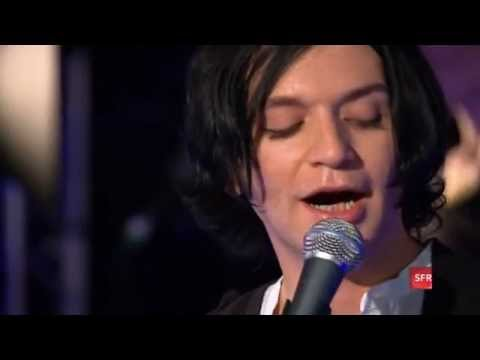 Placebo - SFR Acoustic, Paris, France (28 October 2009)