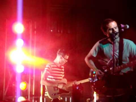 Hellogoodbye - Here in Your Arms / Digital Love (Daft Punk Remix) - LIVE Muirstock 2011