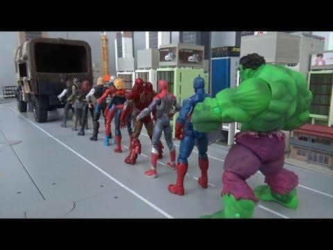 Spiderman 10 Super Heroes enter the truck toys play 스파이더맨 10 명의 슈퍼 히어로 트럭에 들어가다 장난감 놀이