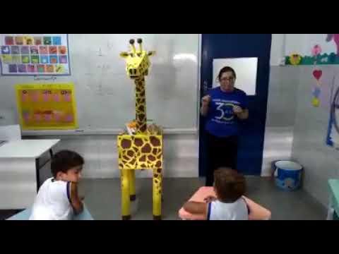Assista: Girafa Literária