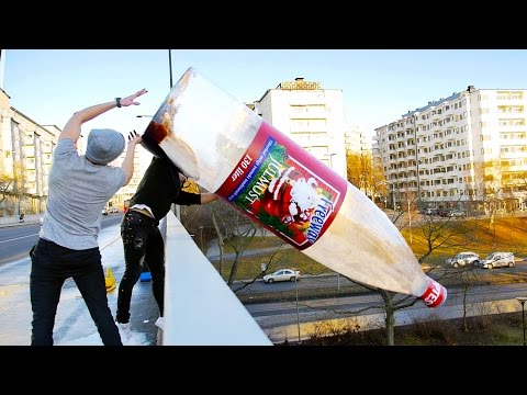 Thumbnail: WORLDS BIGGEST BOTTLE FLIP (WORLD RECORD)