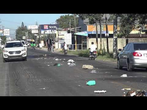 018 |  News | Huelga Cibao 29-Octubre -001   Carretera Santiago Licey