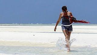Убеги от прилива океана на Занзибаре HD 1080p