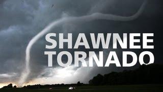 Shawnee Tornado May 24, 2011 / Tornade à Shawnee (Oklahoma) le 24 mai 2011