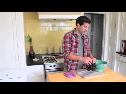 How to Freeze Concord Grapes : Managing Your Kitchen