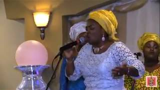watch & listen to this lady as she praises God in different languages. Nigerian, and outside Nigeria