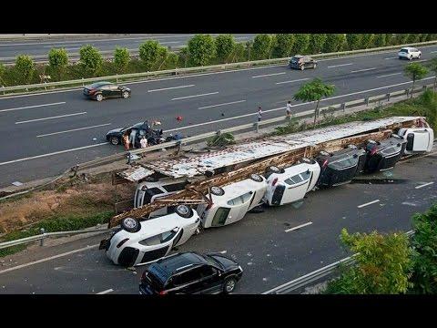 Самые страшные аварии 2013 - видео ДТП на наших дорогах