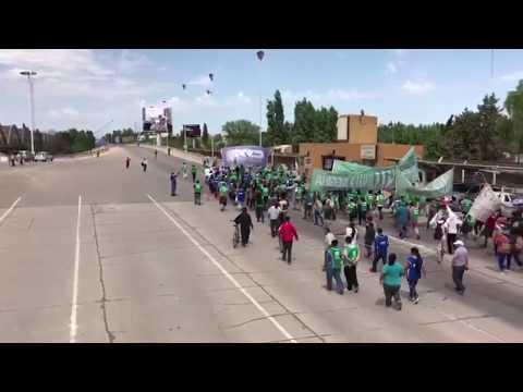 Los gremios bloquean de forma total los puentes carreteros en un jornada de protesta
