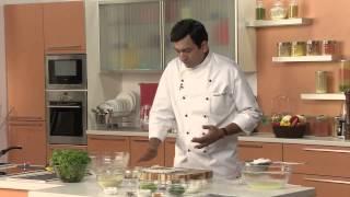 Thalipeeth, The Yellow Chilli Style - Festive Recipe By Chef Sanjeev Kapoor