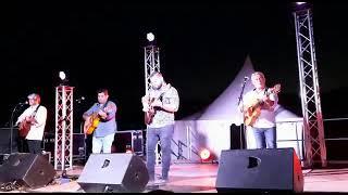 Kiko & Gipsyland sur un solo de guitare :  Asturias