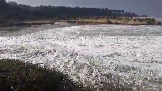 Sneaker wave near Coos Bay, Charleston, Oregon