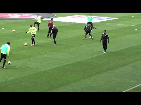 Ben Arfa & Jonas Warm Up Newcastle V West Ham