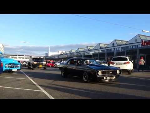 Classic Cars leaving War Pigs parking in Copenhagen 5/9