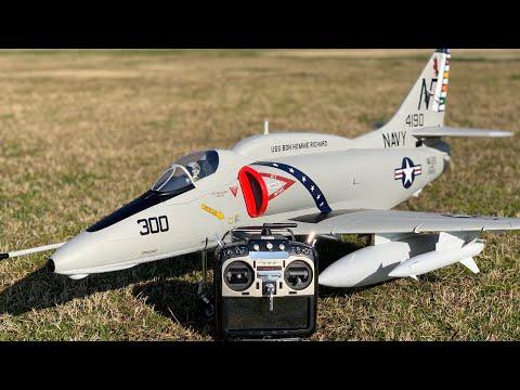 通販で買ったエリア88に出てきたA-4 Skyhawkラジコン飛行機を飛ばしてみた