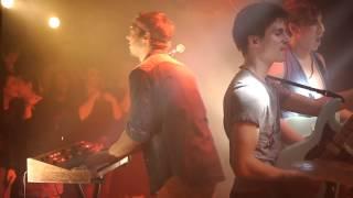 Leonie- En backstage (Report)