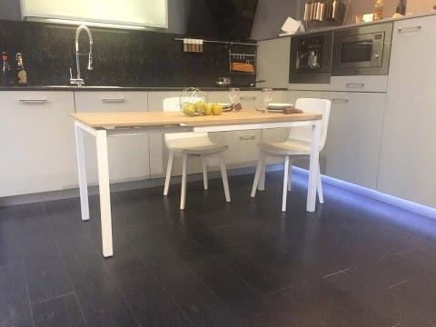 Mesa cocina extensible Toy cancio vetas nordica blanca y