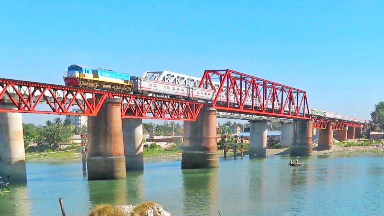 701 NON STOP SUBORNO EXPRESS IN GHORASHAL RAILWAY BRIDGE 2019