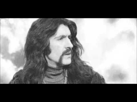 Barış Manço - Gamzedeyim Deva Bulmam (English Translation)