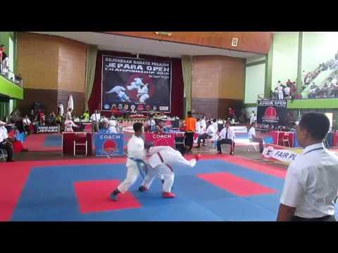 Pertandingan KARATEKA  AVECENA pada Kejuaraan Jepara Open Championship 2016 se Jawa Tengah