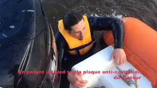 Comment remonter à bord d'un bateau à moteur ?