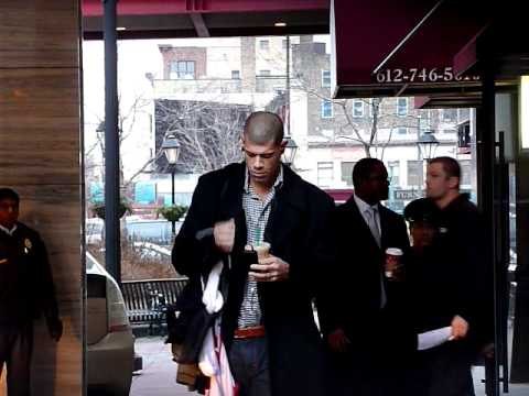 Shane Battier Boarding Heat Team Bus In MPLS - iFolloSports.com