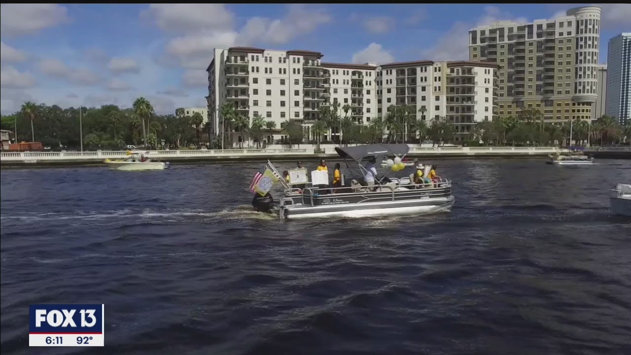 'Sail-ute' flotilla draws attention to childhood cancer