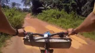 Afryka Rowerem- Gwinea- W trasie, miasteczko i piękne widoki