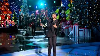 """Brett Eldredge """"What Christmas Means To Me"""" - CMA Christmas 2014"""
