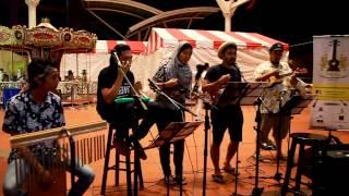 Video Kasabian -Goodbye Kiss cover by Malaysia Ukulele Group perfomance @ Komtar Walk,Penang download MP3, 3GP, MP4, WEBM, AVI, FLV Juni 2018