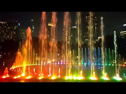 SURIA KLCC MALAYSIA AWESOME LIGHTING SHOW 2017 Don't miss. ...