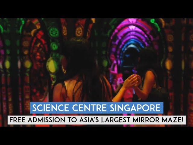 Mirror Maze at Science Centre Singapore