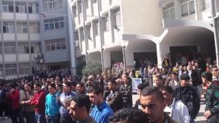 جامعة الأزهر-غزة: وقفة تضامنية مع الرئيس الفلسطيني محمود عباس لتدعيم موقفه ضد الاحتلال (المقطع 1)