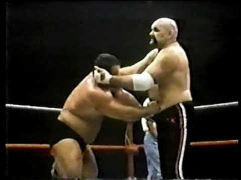 Ivan Putski vs Ox Baker