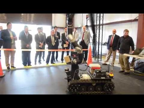 Japanese industry delegation visits Army lab