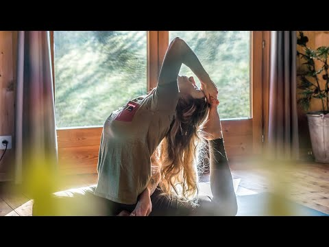 Yoga for Snowboarders w/ Chloé Sillieres