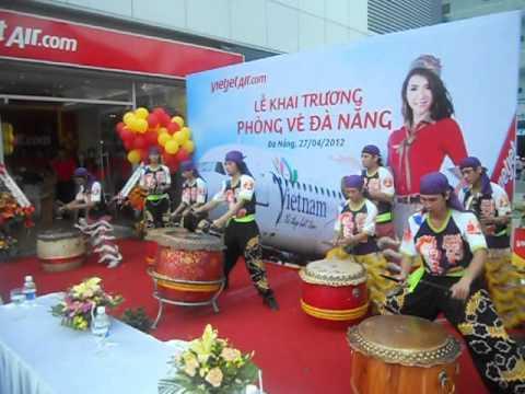 Lion Dance Viet Nam _ Đoàn lân sư rồng Bạch Ngọc Đường ( 0909309446 ) Vietjet Air 2