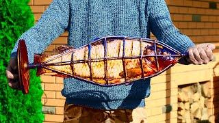 Мы приготовили рыбу  на углях с помощью необычной конструкции