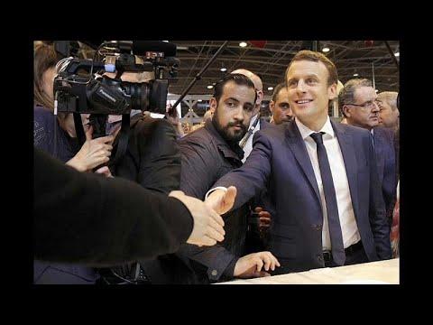 انتقادات بحق ماكرون لقيام موظف في الرئاسة الفرنسية بضرب متظاهر…  - نشر قبل 1 ساعة