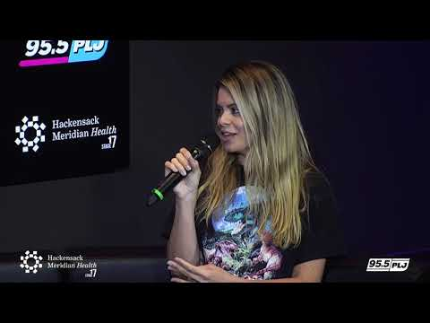 Lauv and Julia Michaels Interview LIVE from HMH Stage 17!