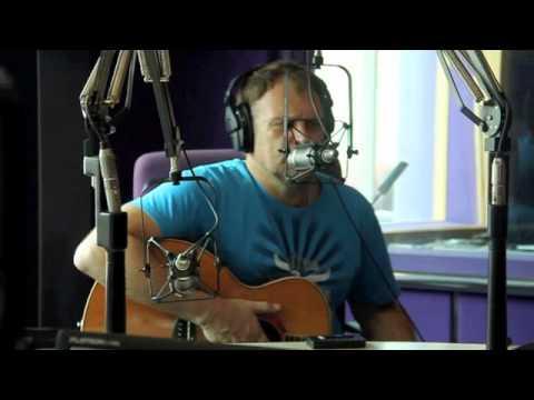 Die NUWE Blou Bul Lied - Steve Hofmeyr - Friday Live