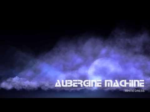 Aubergine MACHINE - White Dress