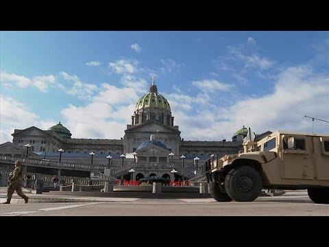 شاهد: تعزيرات أمنية مشددة على المباني الرسمية في الولايات المتحدة قبل مراسم تنصيب جو بايدن…  - نشر قبل 5 ساعة