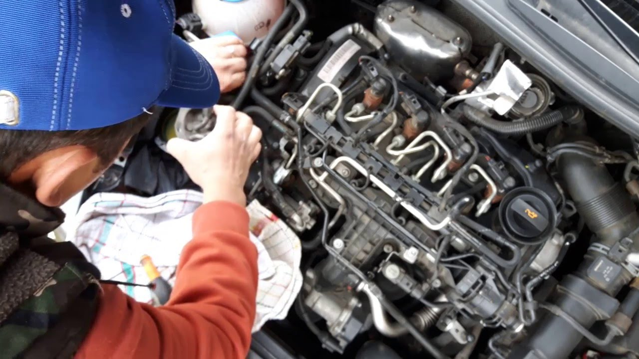 how to change the fuel filter on w group 1 6 tdi skoda octavia 2 golf 6 pasat youtube [ 1280 x 720 Pixel ]