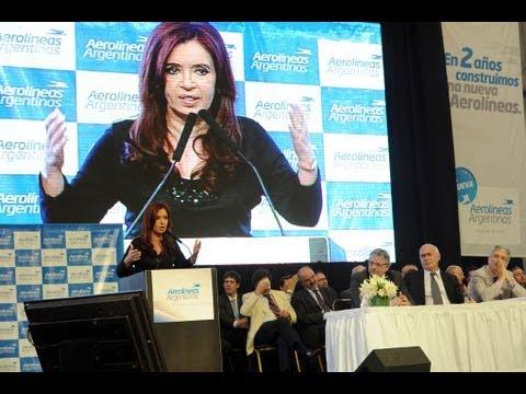 24 de NOV. Inauguración nuevo hangar de Aerolíneas Argentinas. Cristina Fernández