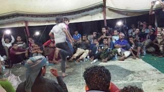 شاهدو رقص هندي في اليمن للتؤامان الصغار 2019