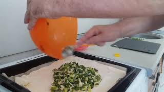 Простой рецепт лукового пирога